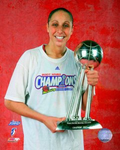 Taurasi Celebrating the Lone Title in Phoenix Basketball History